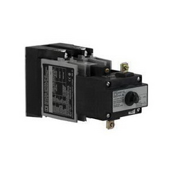 Square D 8501XO40XLV02 RELAY 600VAC 10AMP NEMA +OPTIONS,-40...160 deg.F,110 Vac@50Hz - 120 Vac@60Hz,4 NO 4 standard contact cartridges,A600 - P600,AC 10A - DC 5A,Pick-Up 15ms - Drop-Out 13ms,Screw Clamp,UL Listed - CSA Certified - CE Marked,latching,relay,panel